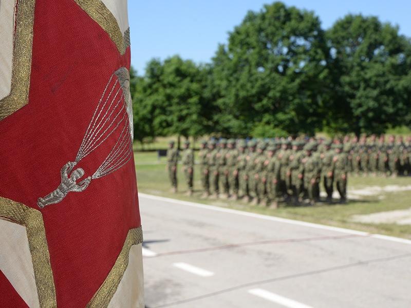 Додела војних застава у Такову